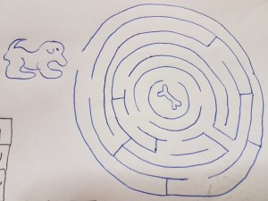 Ein auf Papier gezeichnetes Labyrinth
